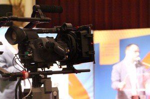 Camera's registreerden het lijsttrekkersdebat.